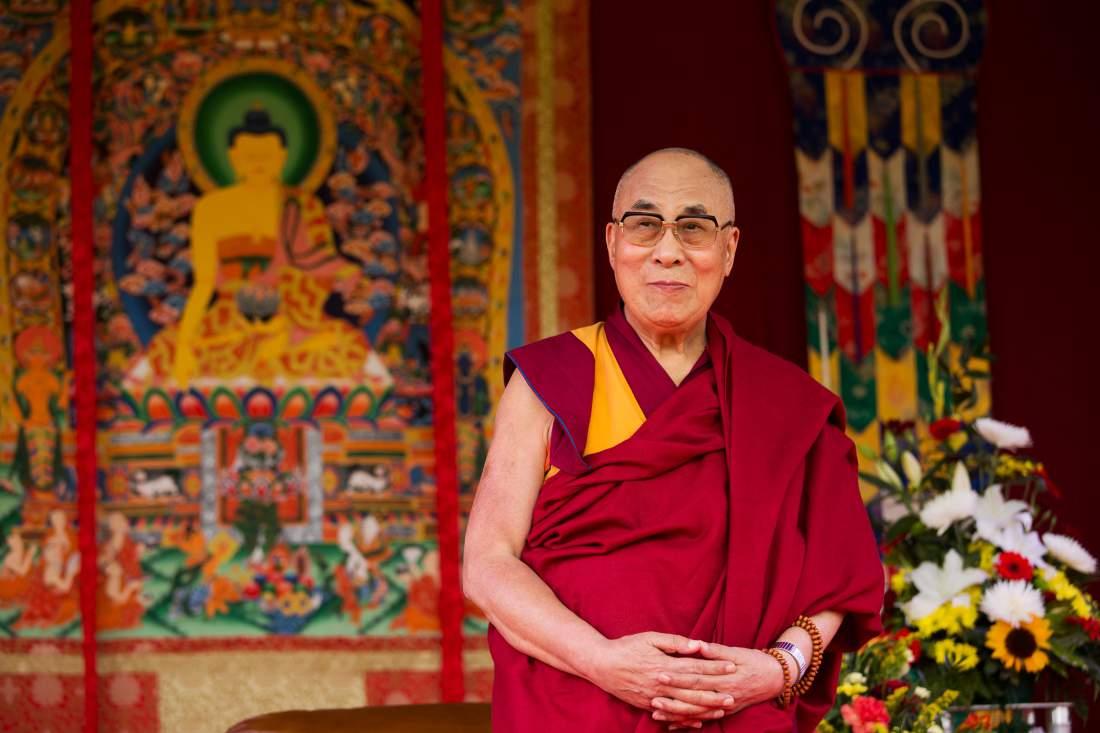 སྐུ་ཞབས་ Richard Gere ལགས་ཀྱིས་༸གོང་ས་མཆོག་གི་སྐུ་ཚབ་ཞུས་ནས་ཨ་རིའི་རང་དབང་གཟེངས་རྟགས་བཞེས་རྒྱུ་རེད་འདུག - Voice of Tibet - Latest News on Tibet